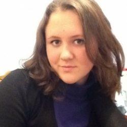 Пара в неторопливом поиске послушной девушки в Мурманске