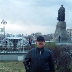 Приятный молодой парень познакомится с девушкой для регулярного секса в Мурманске
